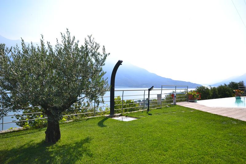 Residence il giardino di lory aan het comomeer lombardije - Residence il giardino bellaria ...